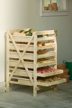 Orchard Rack - Vegetable Storage - Wood Storage Rack make this out of a pallet Diy Pallet Projects, Home Projects, Woodworking Projects, Upcycling Projects, Pallet Diy Decor, Woodworking Plans, Diy Pallet Couch, Pallet Crafts, Woodworking Magazine