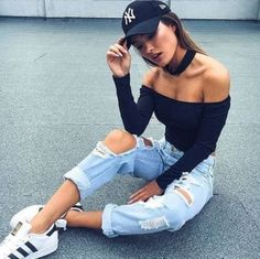 Here's how to recreate this sporty chic hip-hop concert outfit! #hiphopoutfits