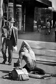 1976: San Francisco street yoga practice (vintage yoga photo)…