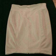 SOFIA VERGARA Ribbed Zipper Skirt Never Worn. Gold zipper in back runs the length of skirt Sofia Vergara Skirts Midi