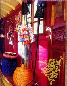 ~ Gypsy wagon ~ - Hippie home decor Gypsy Caravan, Gypsy Wagon, Hippie Home Decor, Bohemian Decor, Bohemian Bathroom, Modern Bathroom, Gypsy Living, Bohemian Living, Boho Chic