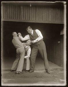 old vintage police record crime photos black and white sydney 23 25 Vintage Police Record Photographs