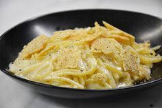 Linguine Cacio Pepe «Pecorino / Caciocavallo / poivre noir» à savourer au restaurant le Café la Jatte (92200) #food #pasta #linguine #italianfood #italy