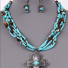 "Beautiful turquoise & silver necklace & earrings Beautiful 18"" turquoise & silver necklace with earrings Jewelry Necklaces"