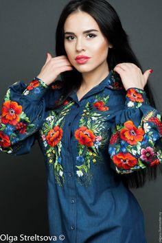 Hand embroidered ladies blouse Denim etude by Handembroiderykvitka Mexican Blouse, Mexican Dresses, Folk Fashion, Ethnic Fashion, Embroidered Clothes, Embroidered Blouse, Modest Fashion, Fashion Dresses, Ethno Style
