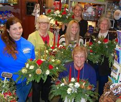 Scenes from the Shop in December | Sending Smiles ~ Our Centerpiece Workshop was a big success and the ladies had fun creating their own arrangements to enjoy over the Christmas holiday.