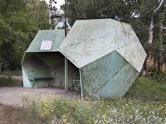 Chris Herwig collectionne les photos d'arrêts de bus soviétiques | VICE France