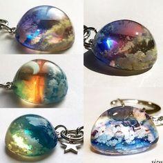 雲レジンまとめ Cute Jewelry, Glass Jewelry, Stone Jewelry, Jewelry Crafts, Handmade Necklaces, Handmade Jewelry, Diy Resin Crafts, Making Resin Jewellery, Resin Charms