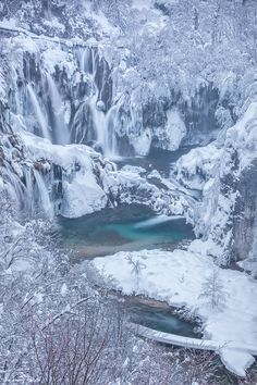 Winter in Plitvice National Park, Croatia. Wow, so frozen! Winter Szenen, I Love Winter, Winter Magic, Winter Time, Winter Season, Plitvice Lakes National Park, My Sun And Stars, Snow Scenes, Winter Pictures