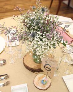参考にしたい♡ナチュラル可愛いゲストテーブル装花のデザイン見本集* | marry[マリー] Weding Decoration, Table Decorations, Wedding Table, Wedding Ceremony, Table Flowers, Green Trees, Wedding Updo, Wedding Images, Banquet