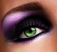 I'm a sucker for purple make-up on green eyes.hence the make-up I wear. Purple Makeup Looks, Black Eye Makeup, Dramatic Eye Makeup, Purple Eye Makeup, Dramatic Eyes, Makeup For Green Eyes, Eye Makeup Tips, Pretty Makeup, Love Makeup