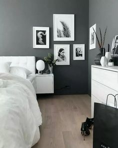 All kinds of decoration and decoration ideas as design, design free of charge are published on our website. You can come to our website to come up with designs that can bring ideas to your mind. How To Have The Perfect Minimalist Bedroom decor decor Small Room Bedroom, Small Rooms, Home Decor Bedroom, Living Room Decor, Bedroom Ideas, Gray Bedroom, White Bedroom Decor, Bedroom Inspiration, Living Rooms