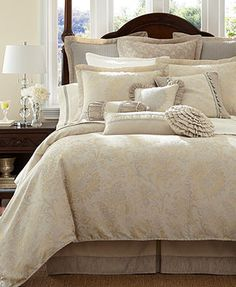 Waterford Bedding, Lysander Collection