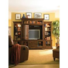Framed pictures above entertainment center Home Entertainment Centers, Cool Tv Stands, Studio, Home Remodeling, Living Room Decor, Living Spaces, Home Furnishings, Family Room, Entertaining