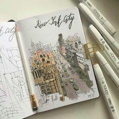 Architectural drawings with urban sketches, come and see the video. Travel Sketchbook, Sketchbook Drawings, Drawing Sketches, Art Drawings, Marker Kunst, Marker Art, Kunstjournal Inspiration, Sketchbook Inspiration, Nyc Drawing