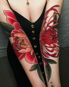 Aster Tattoo, Arm Tattoo, Body Art Tattoos, Tattoo Ink, Leg Tattoos, Tatoos, Pretty Tattoos, Beautiful Tattoos, Berlin Tattoo