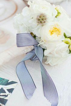 13 Sweet Ways to Tie Your Wedding Bouquet | weddingsonline