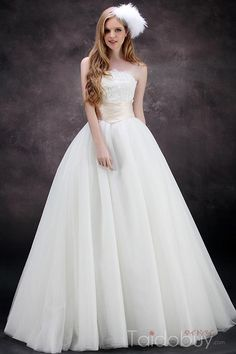 Cheap robe de mariage, Buy Quality fashion wedding dress directly from China plus wedding dress Suppliers: Wedding Dresses 2017 Strapless Empire Appliques A-Line Floor-Length Plus Size New Fashion Bridal Weding Gowns robe de mariage Outdoor Wedding Dress, Wedding Dress Organza, Tulle Ball Gown, Fall Wedding Dresses, Cheap Wedding Dress, Bridal Dresses, Wedding Gowns, Ball Gowns, Tulle Wedding