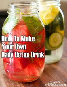 How to make your own detox drink - Lemon avocado spinach mango blueberry flax cayenne coconut water #Detoxdrinks
