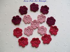 Mini fleurs au crochet, lot de 15 en coton rose et violet, 2.5 cm : Autres Tricot et Crochet par aux-fils-du-bocage