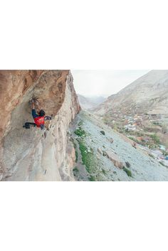 Chillaz   Climbing in Israel with Kilian Fischhuber Climbing Clothes, Israel, Mount Everest, Mountains, Nature, Pictures, Design, Bouldering, Climbing