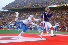 Bills reciever Andre Reed scores his third touchdown of the second half in Buffalo's Wild Card game against the Houston Oilers on Jan....
