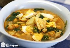 (Traditional Spanish Chickpea, Spinach and Cod Soup) Latin American Food, Spanish Dishes, Spanish Recipes, Cooking Recipes, Healthy Recipes, Bean Recipes, Winter Food, Soups And Stews, I Foods