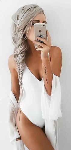 67 Ideas Tattoo Hip Placement Writing Tatoo – Everything for Tattoo Hippe Tattoos, Leg Tattoos, Sleeve Tattoos, Tattoo Hip, Small Hip Tattoos, Back Thigh Tattoo, Hip Tattoo Quotes, Thigh Tattoo Simple, Side Hip Tattoos