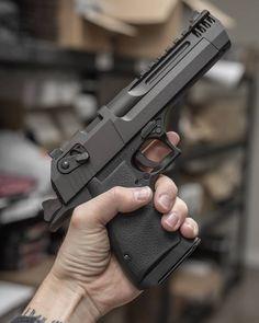 Magnum Research Desert Eagle Mark XIX Semi Auto Pistol .44 Magnum