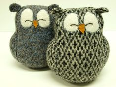 wool / tweed owls, must try using this type of fabric!