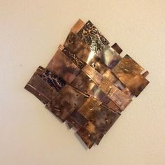 Woven recycled copper creates a feeling of free movement.The strips of copper each tell their own story about a past life.The wall art is approximatel… Copper Wall Art, Copper Crafts, Aging Metal, Atelier D Art, Metal Embossing, Metal Art Sculpture, Metal Texture, Yard Art, Living Room Designs