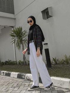 Street Hijab Fashion, Muslim Fashion, Casual Hijab Outfit, Casual Outfits, Style Hijab Simple, Hijab Fashionista, Modesty Fashion, Hijab Fashion Inspiration, Mode Hijab