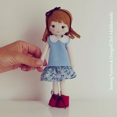 Doll Sewing Pattern Vintage girl Pdf - felt miniature hand sewn PHOTO TUTORIAL - Instant DOWNLOAD by Soles on Etsy https://www.etsy.com/listing/179144339/doll-sewing-pattern-vintage-girl-pdf