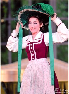 Masaki Ryu as Scarlett O'Hara from Gone With the Wind musical in Takarazuka Revue Scarlett O'hara, Gone With The Wind, Musicals, Patterns, Fashion, Block Prints, Moda, Fashion Styles, Fasion