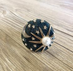 Knobs And Handles, Drawer Handles, Door Handles, Furniture Hardware, Home Decor Furniture, Painted Furniture, Dresser Knobs, Dresser Drawers, Cabinet Knobs