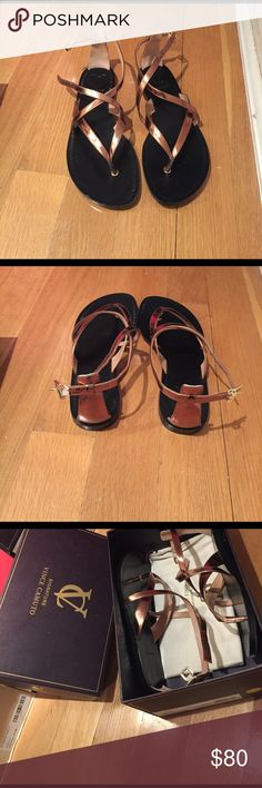 Vince Camuto  women's metallic sandal Awesome condition Vince Camuto Shoes Sandals