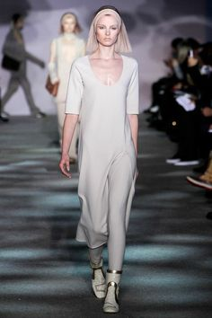 Marc Jacobs NYFW Fall 2014: http://juliapetit.com.br/moda/nyfw-comportada/