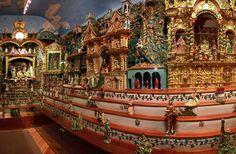 Por primera vez se exhibe al público en el monasterio del Carmen Bajo, Quito, Ecuador,  un nacimiento con 306 años de antigüedad y compuesto con más de 500 piezas artesanales.