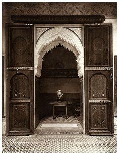 Le jardin et la maison arabes au Maroc de Jean Gallotti - PORTE DE COUR INTERIEURE