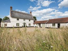 Three Horseshoes House (ref             UKC746) in                 Scottow, near North Walsham, Norfolk                       English-Country-Cottages