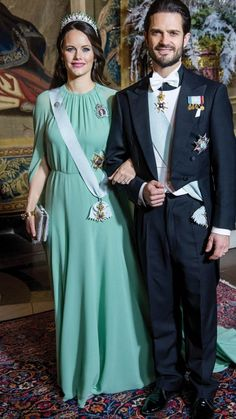 Sofia and Carl Philip Swedish Royals, Princess Sofia, Royal Style, Then And Now, Royalty, Formal, Dresses, Fashion, Royal Families