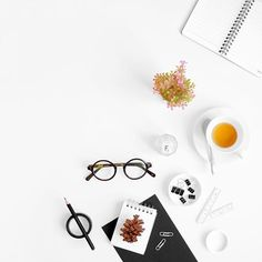I scrolled down my gallery and found this photo that reminds me back to the days before I go to university. Back then I used to make flatlay everyday  I wish I have the time to do so.. By the way Friday is here!! So weekend is coming  Have a nice day folks.. #mystoryinwhite #tgif