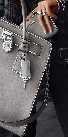 Quality purses: Coach -Michael Kors -Calvin Klein- Ri2k- Kenneth - Cole - Hidesign