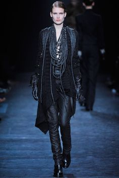 Ann Demeulemeester Fall 2010 Ready-to-Wear Fashion Show - Yulia Terentieva (OUI)