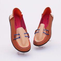 Sepatu casual trendy, cantik fashionable. Warna coklat. Bahan kulit sintetis (SKU: DDSDAM) - Rp. 88.000 - Gaun Tas: Tas Wanita Impor