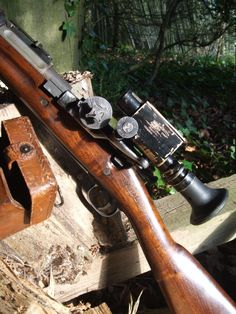 1909 or 1913 Warner-Swazee Sniper Scope on 1903 U. Springfield Sniper Rifle for WWI. Powder Horn, Guns And Roses, Firearms, Shotguns, Fire Powers, Hunting Rifles, Guns And Ammo, Hand Guns, Weapons