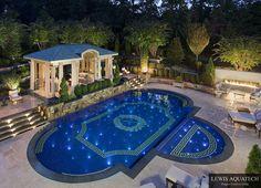 Si vous avez en projet de vous faire construire une piscine chez vous, j'espère que cet article vous apportera des idées, il y en a pour tous les gouts et