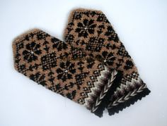 #Handknitted wool #mittens Winter #gloves Warm mittens Black floral ornaments beige background Black brown beige white #ethnicstyle mittens