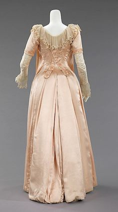 Tea gown (image 3) | Liberty & Co | British | 1885 | silk | Brooklyn Museum Costume Collection at The Metropolitan Museum of Art | Accession Number: 2009.300.3384