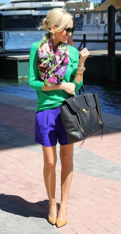 such a cute spring outfit! I love the blue shorts but they need to be shorter the length is ruining the proportion of the entire outfit and swallowing up her small frame Fashion Mode, Look Fashion, Womens Fashion, Fashion Trends, Cute Spring Outfits, Cute Outfits, Summer Outfit, Work Outfits, Looks Style